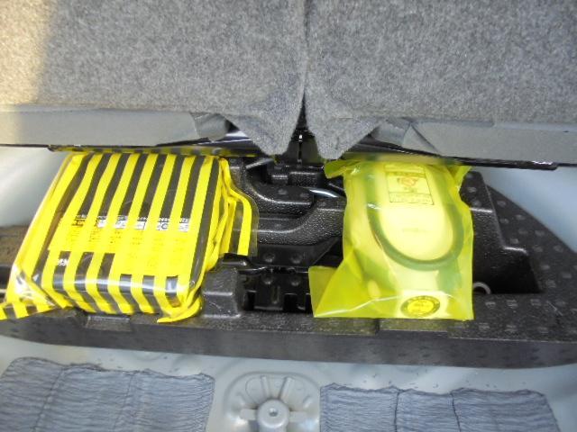 【パンク修理キット】誰でも簡単にパンクの応急修理ができます。(タイヤ横のパンクには非対応です)