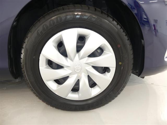 フロントタイヤを撮影しました♪キレイなホイールでタイヤの山もしっかり残っております!ユーカー選びのポイントのひとつですよね♪ご来店時にぜひチェックしてみてください!