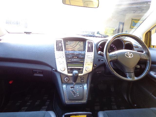 トヨタ ハリアーハイブリッド Lパッケージアルカンターラプライムバージョン