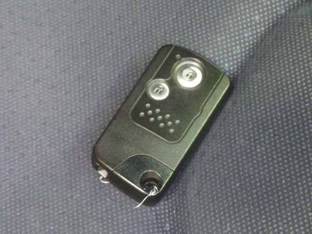 13G・スマートセレクション ワンオーナーCDプレーヤーETC タイヤ4本新品交換(3枚目)