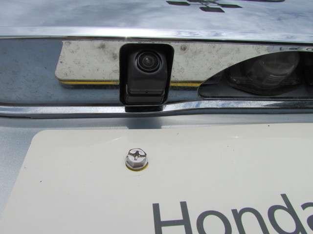 G・Lホンダセンシング 安全運転支援システム 元当社試乗車 純正メモリーナビゲーション Bluetooth インターナビプレミアム リアカメラ ETC サイドエアバッグ カーテンエアバッグ オートエアコン ワンオーナー(19枚目)