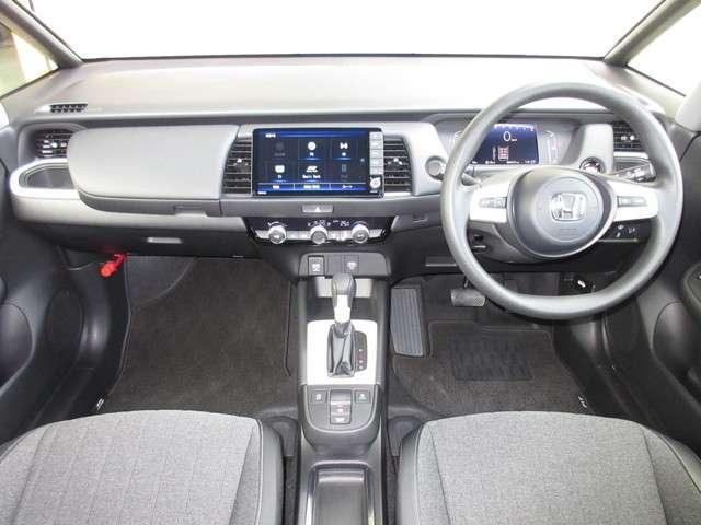 ホーム 当社元試乗車 禁煙車 安全運転支援システム 衝突軽減ブレーキシステム サイドカーテンエアバック 純正9インチナビ Bluetooth リアカメラ ETC LEDヘッドライト スマートキーシステム(11枚目)