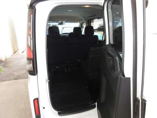 スパーダ ホンダセンシング ワンオーナー 8人乗り 純正9インチナビ Bluetooth ETC リアカメラ 安全運転支援システム 衝突軽減ブレーキシステム サイドカーテンエアバック 両席電動パワースライドドア スマートキー(9枚目)