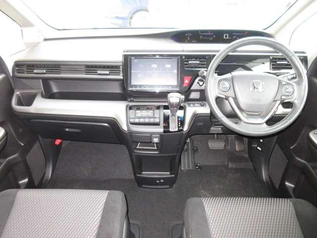 スパーダ ホンダセンシング ワンオーナー 8人乗り 純正9インチナビ Bluetooth ETC リアカメラ 安全運転支援システム 衝突軽減ブレーキシステム サイドカーテンエアバック 両席電動パワースライドドア スマートキー(10枚目)