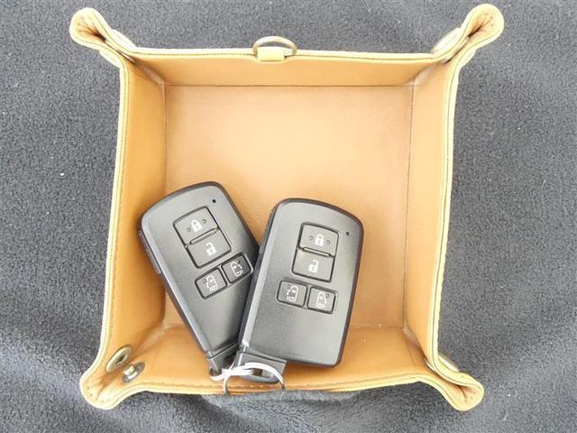 G フルセグ メモリーナビ バックカメラ 衝突被害軽減システム ETC 両側電動スライド 3列シート ウオークスルー ワンオーナー DVD再生 記録簿 乗車定員7人 アイドリングストップ ナビ&TV CD(20枚目)