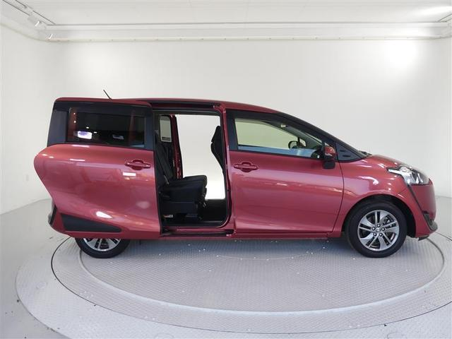【両側電動スライドドア】・・・リモコンをワンタッチで簡単にドアの開閉操作が出来ます。お子様連れやお買い物で手が放せない時にとっても便利な機能です♪ミニバン車では人気の装備です!
