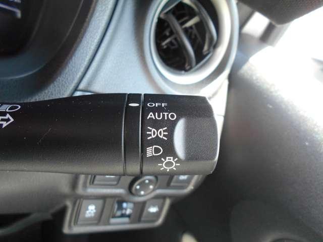 1.2 e-POWER X 日産純正メモリーナビ(MM317D-W)/フルセグ・アラウンドモニター・エマージェンシーブレーキ・踏み間違い防止・車線逸脱・スマートルームミラー・ETC・オートライト・フルオートエアコン(12枚目)