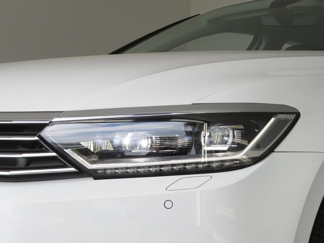 高い視認性を確保しながら、消費電力の少なさと長寿命を実現させたLEDヘッドライト。