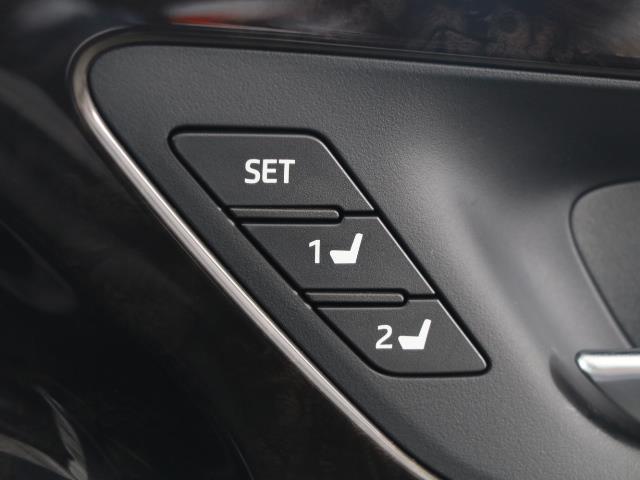 G-エグゼクティブ 黒革シート 1オーナー バックカメラ メモリーナビ ETC フルセグ LED ドライブレコーダー 衝突被害軽減ブレーキ アルミ スマートキー ナビテレビ パワーシート DVD(13枚目)