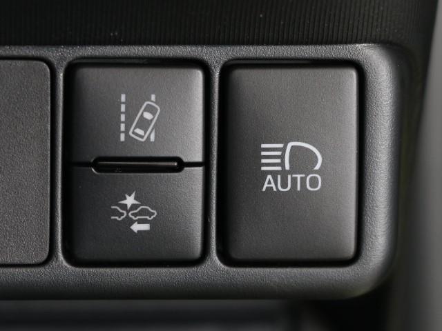 G AUX 横滑り防止機能 LED付 TVナビ ワンオナ パワステ メモリナビ ABS DVD 記録簿 オートエアコン エアバック 盗難防止システム パワーウィンドウ キーレスエントリ- クルーズC(12枚目)
