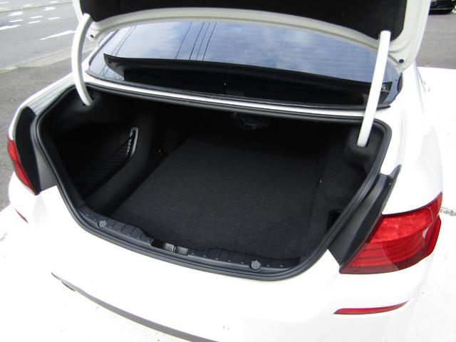 523i Mスポーツパッケージ 1オーナー ブラックレザーシート シートヒーター インテリアウッドトリム ミラーETC PDC パドルシフト バックカメラ コンフォートアクセス バイキセノンヘッドライト(9枚目)