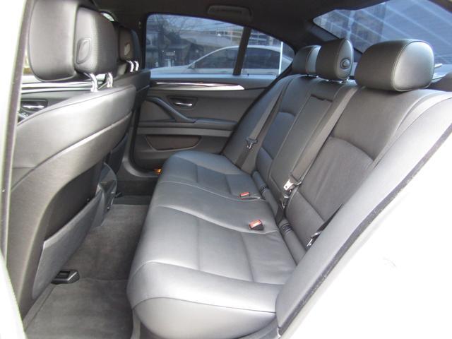 523i Mスポーツパッケージ 1オーナー ブラックレザーシート シートヒーター インテリアウッドトリム ミラーETC PDC パドルシフト バックカメラ コンフォートアクセス バイキセノンヘッドライト(18枚目)