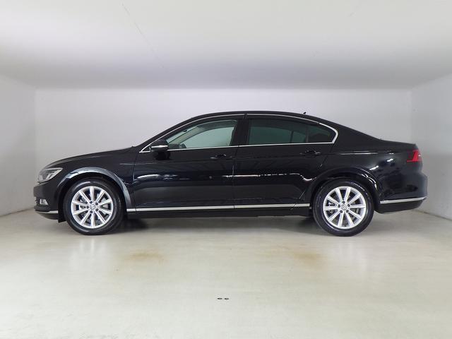 フォルクスワーゲン VW パサート エレガンスライン 純正ナビ・ACC・LEDライト 認定中古車