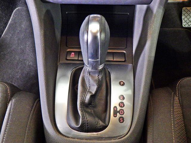 フォルクスワーゲン VW ゴルフヴァリアント CLプレミアムED 禁煙ワンンオーナー純正ナビTVHID