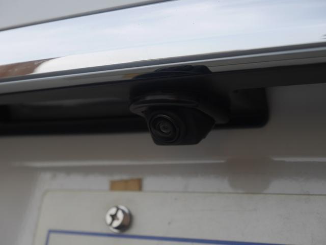 リアビューカメラも装備。こちらはディーラーオプションの品です。