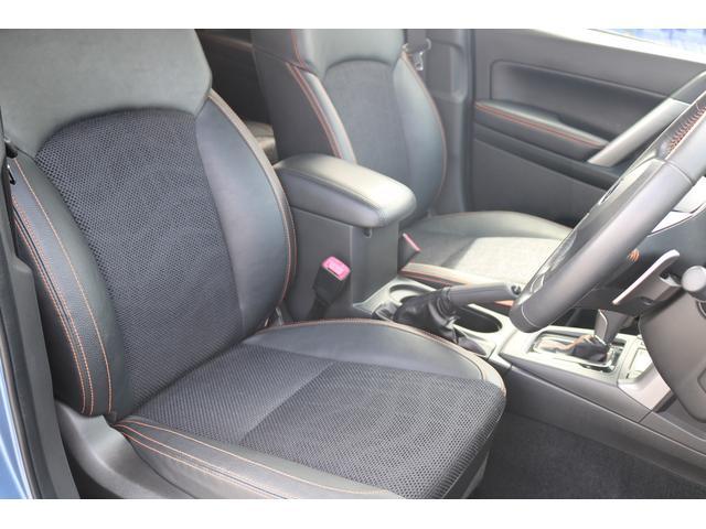 ロングドライブでも疲れを感じさせない優れたシートです。