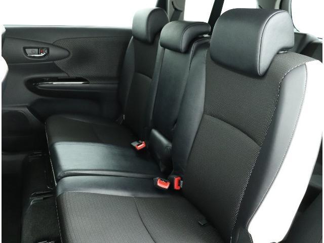 ☆セカンドシートです。乗りやすく積み込みやすい空間を確保。スムーズに乗り降りできます。