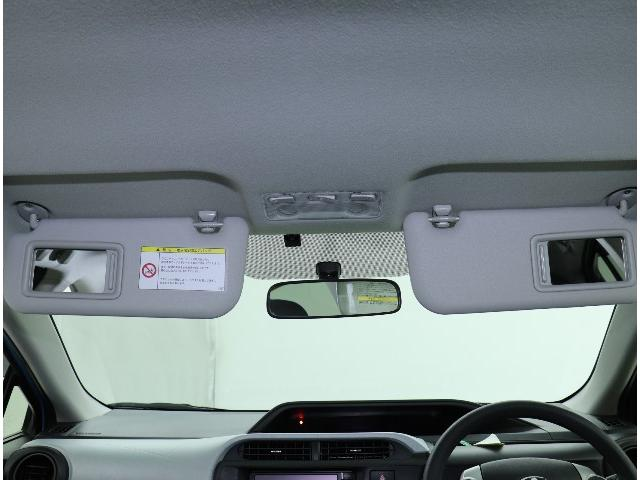 S ワンオーナー メモリーナビ バックカメラ ETC ワンセグTV ワイヤレスキー 走行35000キロ スペアタイヤ搭載 サイドバイザー オートエアコン(11枚目)