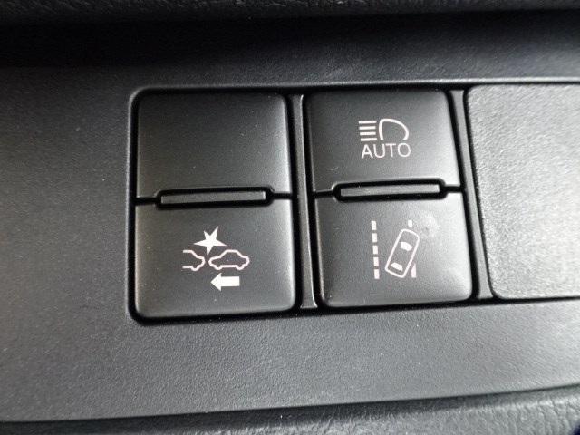 G クエロ 大型ナビTV シートヒーター ETC 両側電動ドア スマートキー LEDヘッドランプ 新車保証継承 DVD再生 バックモニター ハンドルヒーター USB端子(9枚目)