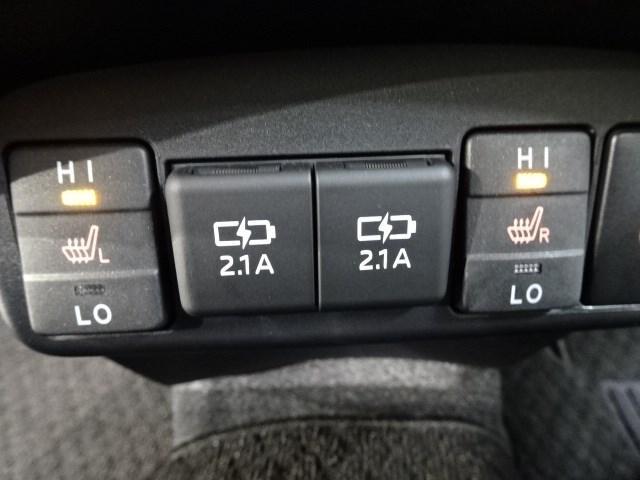G クエロ 大型ナビTV シートヒーター ETC 両側電動ドア スマートキー LEDヘッドランプ 新車保証継承 DVD再生 バックモニター ハンドルヒーター USB端子(11枚目)