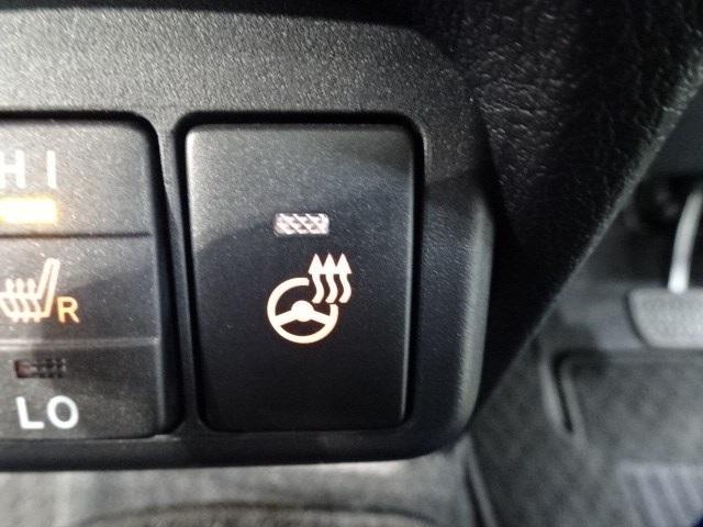 G クエロ 大型ナビTV シートヒーター ETC 両側電動ドア スマートキー LEDヘッドランプ 新車保証継承 DVD再生 バックモニター ハンドルヒーター USB端子(12枚目)