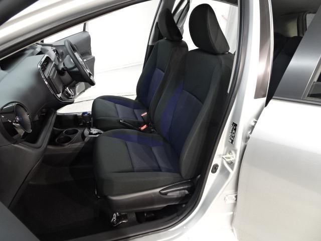 トヨタ アクア S 登録済み未使用車 プリクラッシュシステム  スマートキー