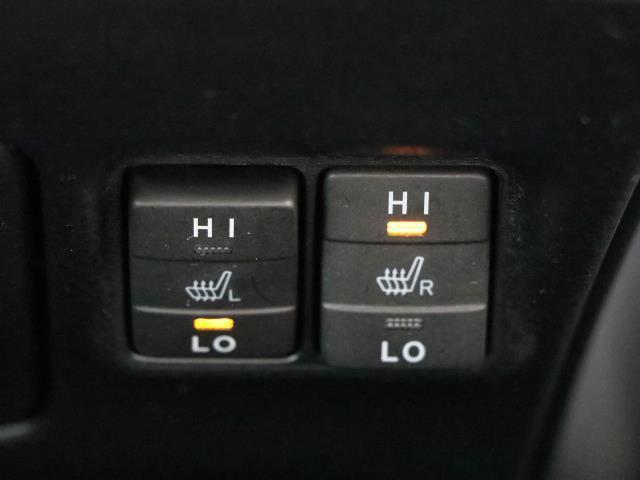ハイブリッドGi トヨタセーフティセンス 衝突被害軽減ブレーキ 両側電動ドア SDナビ フルセグ Bモニター LEDヘッドライト ETC スマートキー 3列シート ワンオーナー ブルートゥース シートヒーター 記録簿(12枚目)