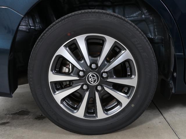 ハイブリッドGi トヨタセーフティセンス 衝突被害軽減ブレーキ 両側電動ドア SDナビ フルセグ Bモニター LEDヘッドライト ETC スマートキー 3列シート ワンオーナー ブルートゥース シートヒーター 記録簿(18枚目)