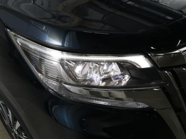 ハイブリッドGi トヨタセーフティセンス 衝突被害軽減ブレーキ 両側電動ドア SDナビ フルセグ Bモニター LEDヘッドライト ETC スマートキー 3列シート ワンオーナー ブルートゥース シートヒーター 記録簿(19枚目)