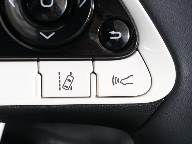 A トヨタセーフティセンス 衝突被害軽減ブレーキ スマートキー ワンオーナー SDナビ Bモニター ETC レーダークルーズ イモビライザー アイドリングストップ ワンオーナー ABS 横滑り防止装置(12枚目)