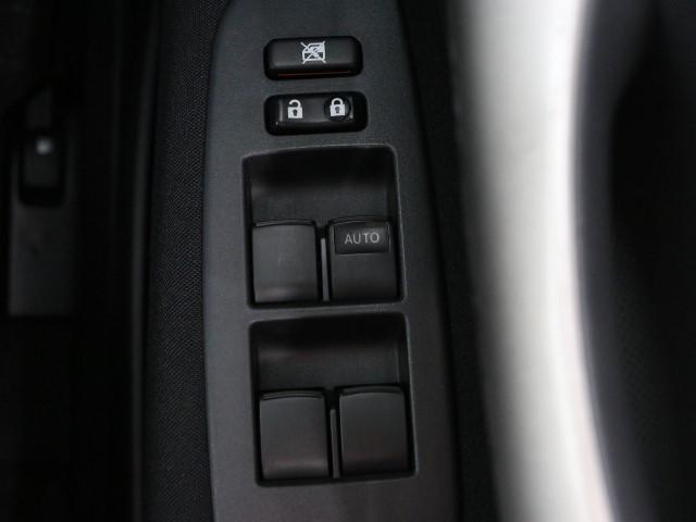 「トヨタ」「オーリス」「コンパクトカー」「東京都」の中古車13