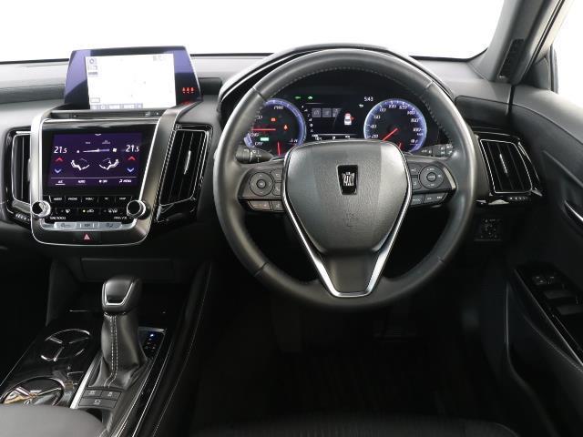 S フルセグ バックカメラ ドラレコ 衝突被害軽減システム ETC LEDヘッドランプ DVD再生 ミュージックプレイヤー接続可 記録簿 安全装備 展示・試乗車 オートクルーズコントロール 電動シート(4枚目)