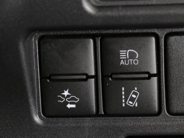 Xi 後カメラ Iストップ リアクーラー LEDライト アルミ ETC キーレス ナビTV メモリーナビ ワンセグ 記録簿 3列シート 横滑り防止装置 片側パワードア 衝突被害軽減装置 1オナ ABS(12枚目)