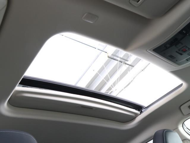 NX300h バージョンL スマートキー バックカメラ プリクラッシュ LEDヘッドライト クルコン ETC メモリーナビ フルセグ ムーンルーフ 4WD ナビTV レザー ワンオーナー車 AW 盗難防止システム(18枚目)