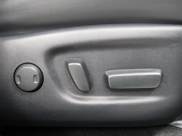 プレミアム TSS 1オーナー CD クルーズコントロール パワーシート 地デジ ドラレコ LED Bカメラ スマートキ- ナビTV ETC アイドリングストップ メモリ-ナビ 横滑り防止装置 Mルーフ キーレス(12枚目)