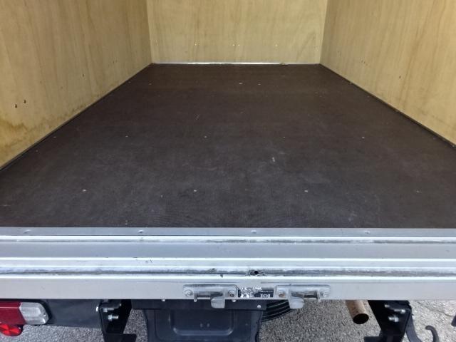 アルミバン1.5t積載10尺ロングジャストロー 2.0G(6枚目)