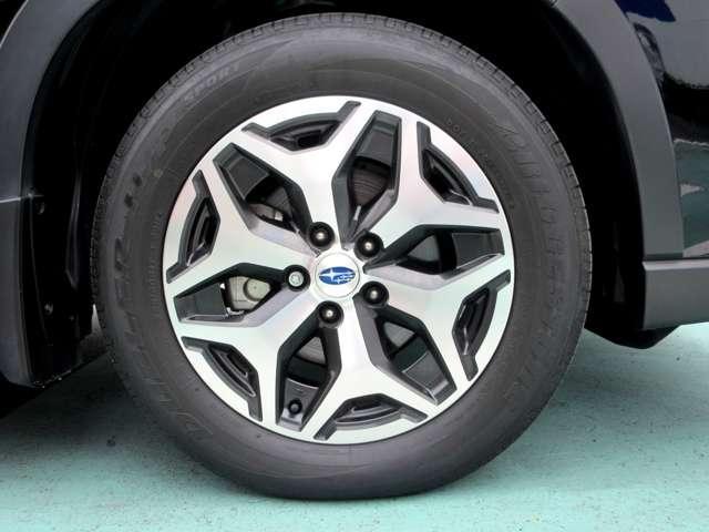 ツーリング 4WD ワンオーナー アイサイト 車検整備2年付(6枚目)