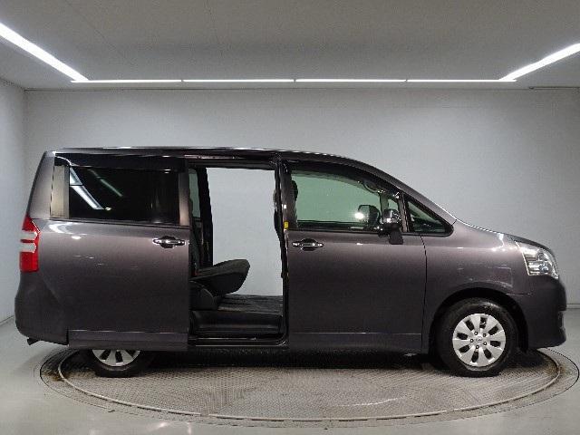 「トヨタ」「ノア」「ミニバン・ワンボックス」「神奈川県」の中古車3