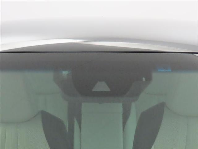 RSアドバンス 革シート 衝突被害軽減システム アルミホイール フルセグ DVD再生 バックカメラ ミュージックプレイヤー接続可 LEDヘッドランプ ワンオーナー 電動シート スマートキー 盗難防止装置 キーレス(6枚目)