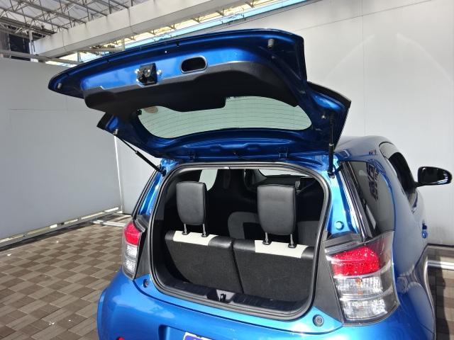 トヨタ iQ 130G レザーパッケージ メモリーナビフルセグ16アルミ
