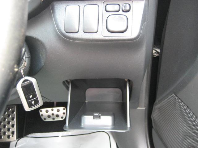 Z Z(6名) 純正メーカーオプションHDDナビ 追加地デジチューナー バックカメラ ETC 3ナンバー車両 純正17インチアルミ(29枚目)