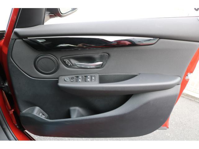実はあまり知られていませんが、BMWはカーナビゲーションが標準装備です。