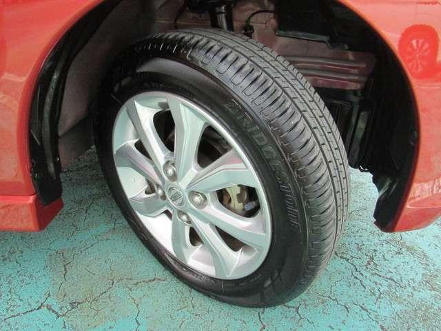 タイヤ溝もまだまだ