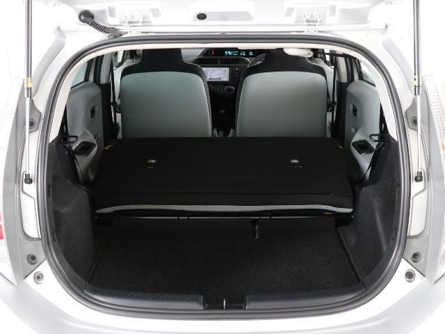 シートをたためば広大な荷室が出現します。 これだけ広いと用途もグーンと広がりますね。 あれもこれも、沢山積めちゃって便利ですね。