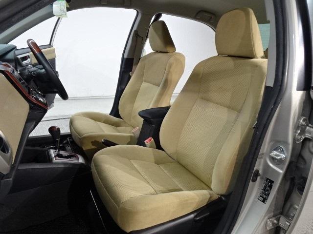 1.5ラグゼール スマートキー 純正CDチューナー HIDヘッドライト スマートキー シートヒーター シートエアコン オートエアコン 横滑り防止装置 イモビライザー 室内除菌(11枚目)