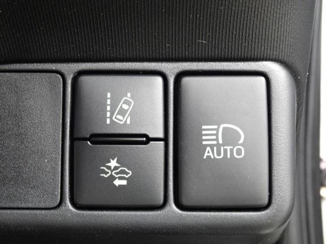 X-アーバン 衝突被害軽減ブレーキ・走行35000km・フルセグSDナビ・Bカメラ・DVD再生・シート一部合皮・純正アルミ・スマートキー・LED・ETC・1オーナー(9枚目)