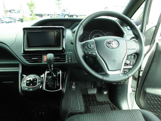Si 4WD・衝突軽減ブレーキ・走行49000km・フルセグナビSDナビ・BカメラDVD再生・クルーズコントロール・純正アルミ・スマートキー・両側パワスラ・LED・ETC・1オーナー(4枚目)