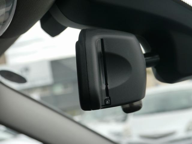 BMWのETCはルームミラー内にスマートインストール!室内空間を乱すことないBMWならではのお洒落な設計です。