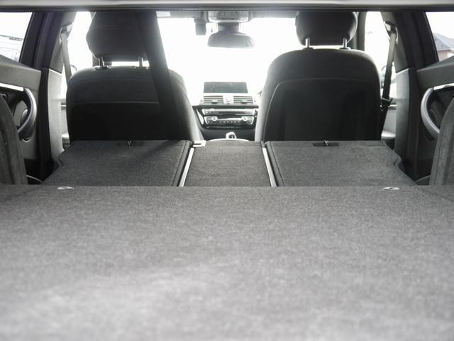 リアシートは倒れますのでトランクスルーがご使用いただけます!倒す際は分割式ですので積む荷物の大きさや量、ご乗車いただく人数に合わせて使用できます!