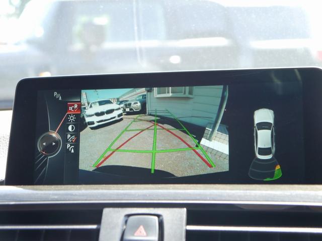 便利なバックカメラ!! リバースに連動し、車両後方の映像をカメラでディスプレイに表示致します。更にはコーナーセンサーと連動し、交代時の安全をサポート致します。